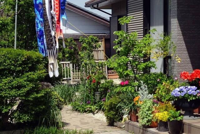 箕面市での外構工事をお考えなら【NOMURA-WORKS】へ~植栽で雰囲気を変える~